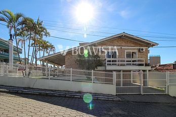 Rent House 4 rooms for 10 persons | Bombinhas / SC